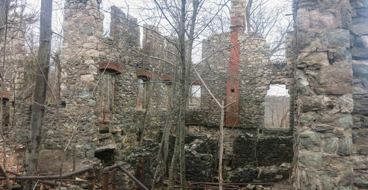 Foxcroft Mansion ruins in Ramapo Mountain State Forest. Photo by Daniel Chazin.